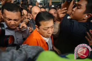 Polisi Periksa Novanto di KPK Pada Kamis