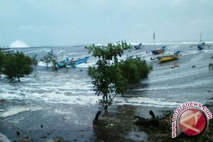 Pasang laut Membalong-Belitung diprakirakan dua meter lebih
