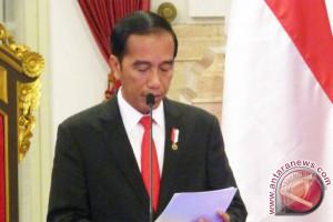 President Jokowi installs 17 new ambassadors