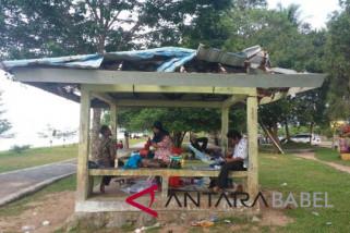 Gazebo wisata Kebang Kemilau Bangka Tengah rusak