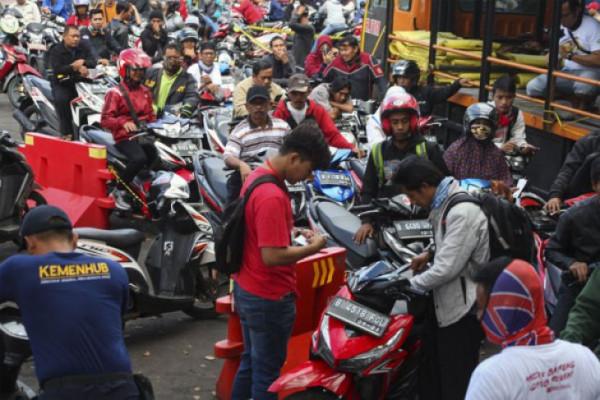 Angkutan gratis pemudik motor
