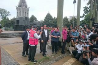 Presiden Jokowi tinjau persiapan Asian Games cek trotoar