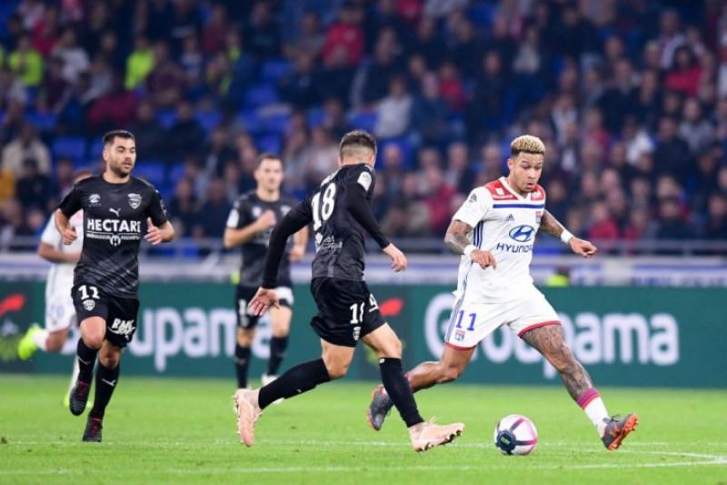Lyon naik ke peringkat ke-3 setelah tundukkan Nimes
