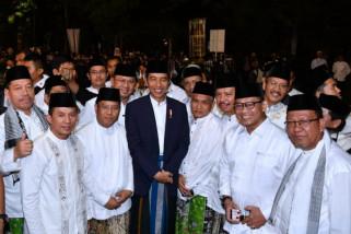 Presiden Jokowi minta santri jangan mudah percaya hoaks