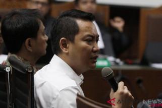 Fayakhun akui dikenalkan dengan keluarga Jokowi terkait proyek Bakamla