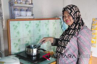 Lebih efisien, warga Pulau gunakan kompor listrik untuk memasak