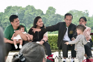 Jokowi sebut menantunya ada potensi ke politik