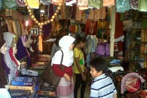 Busana Muslim Pertokoan Jalan Sulawesi Diburu