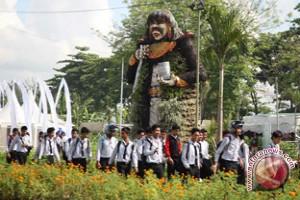 Ribuan Pengunjung Padati Arena Flori Flora