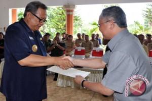Bupati Buleleng Terima Penghargaan Kementerian PU