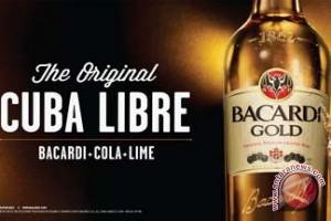 Koktail Cuba Libre -- yang Dibuat dengan Rum Bacardi -- Merayakan Hari Jadinya yang ke-112