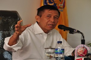 Gubernur Pastika Ajak Masyarakat Gotong Royong Bantu Pengungsi