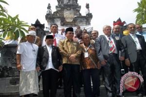 Parlemen Dunia Kunjungi Puja Mandala