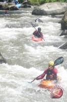 """""""Sobek"""" Jaring Atlet Kayak Potensial"""