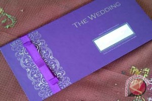 Bupati Eka Sebar Undangan Pernikahan