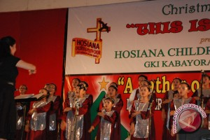 """Hosiana Children"" Hibur Ratusan Yatim"