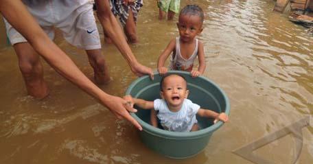 Jakarta (antara bali) - seorang anak ditempatkan di ember ketika