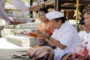 """Gubernur Pastika Minta """"Kabupaten Kaya"""" Bantu Entaskan Kemiskinan"""