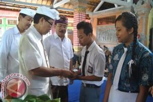 Kartu Beasiswa, Penolong Siswa Miskin Bali