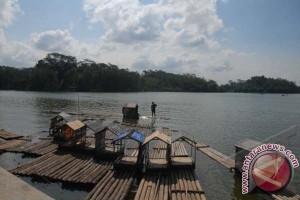 Bupati Buleleng Dorong Program Pemulihan Danau Kembar