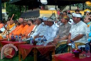 Menag Buka Pertemuan Tokoh Hindu Sedunia di Bali