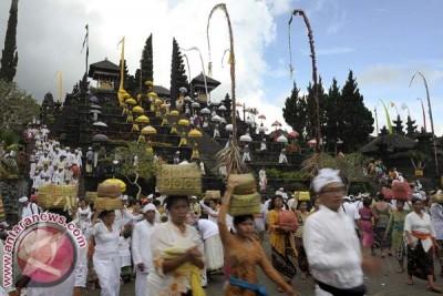 Klungkung Gelar Ritual di Pura Dalem Puri Besakih