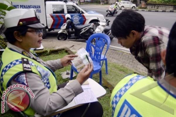 Polres Imbau Siswa SMA di Buleleng Patuhi Lalu Lintas
