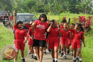 Coca-cola Tanam 1.300 Bibit Pohon Di Tabanan
