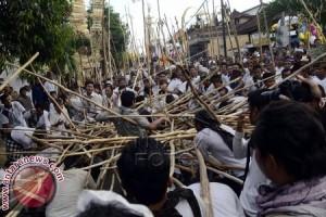 """Masyarakat Desa Munggu Gelar Tradisi """"Mekotek"""""""