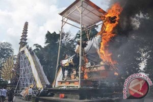 Puri Ubud Kembali Gelar Ritual Pengabenan Utama
