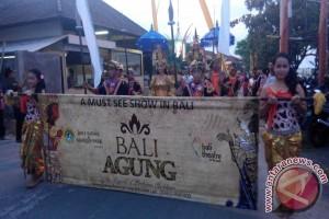 "Parade Budaya Warnai Pembukaan ""Timeless Indonesia Festival"""