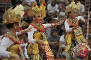 Ratusan Seniman Buleleng Meriahkan PKB Bali
