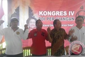 Panitia Kongres PDIP Bakti Sosial di Jembrana
