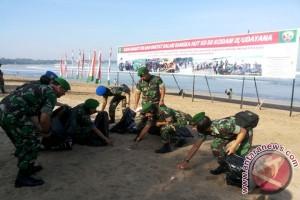 Kodam Udayana Bersihkan Pantai Sepanjang 202 Kilometer