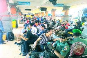 Terminal Ubung Berangkatkan 1.296 Penumpang