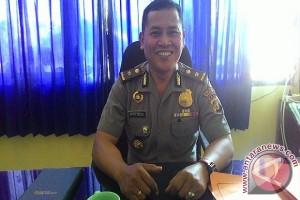 Polisi Buleleng Rutin Salurkan Air Bersih