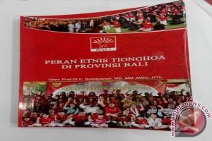 """Prof Sulistyawati Luncurkan Buku """"Peran Etnis Tionghoa di Bali"""""""