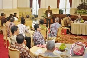 Presiden Makan Bersama Pedagang Beras Di Istana