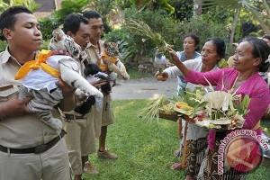 Umat Hindu Gelar Tumpek Kandang Memuliakan Hewan