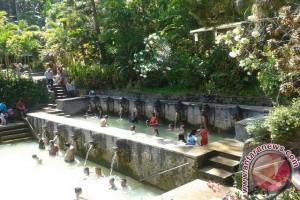 Air Panas Banjar Buleleng Ramai Dikunjungi Wisatawan