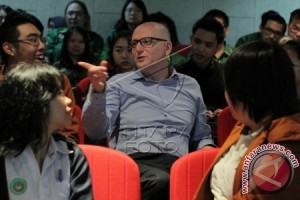 Envoy Urges Indonesian Students to Study In Australia