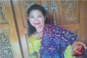 Produksi Endek Bali Kurang Diminati Generasi Muda