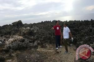 Jajaran ITDC Bersihkan Pantai Kawasan Nusa Dua