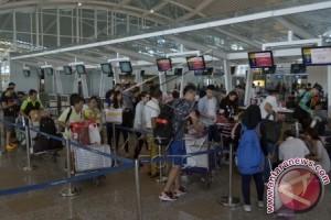 Puncak Mudik H-2 Lebaran di Bandara Ngurah Rai