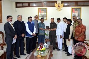 Pastika Promosikan Pariwisata Bali Pada Parlemen India