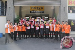Wisuda Ke-4 Hardys Management Trainee Program