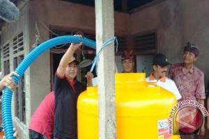 Bupati Karangasem Bersama GAPENSI Berikan Bantuan Tower Air
