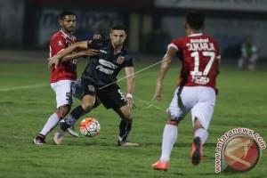 Pusamania FC Imbangi Bali United 1-1
