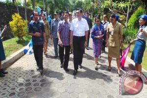 Menko Polhukam Kunjungi SMA Bali Mandara