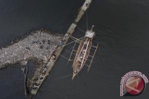 Replika Kapal Kuno Majapahit Berlabuh di Manila